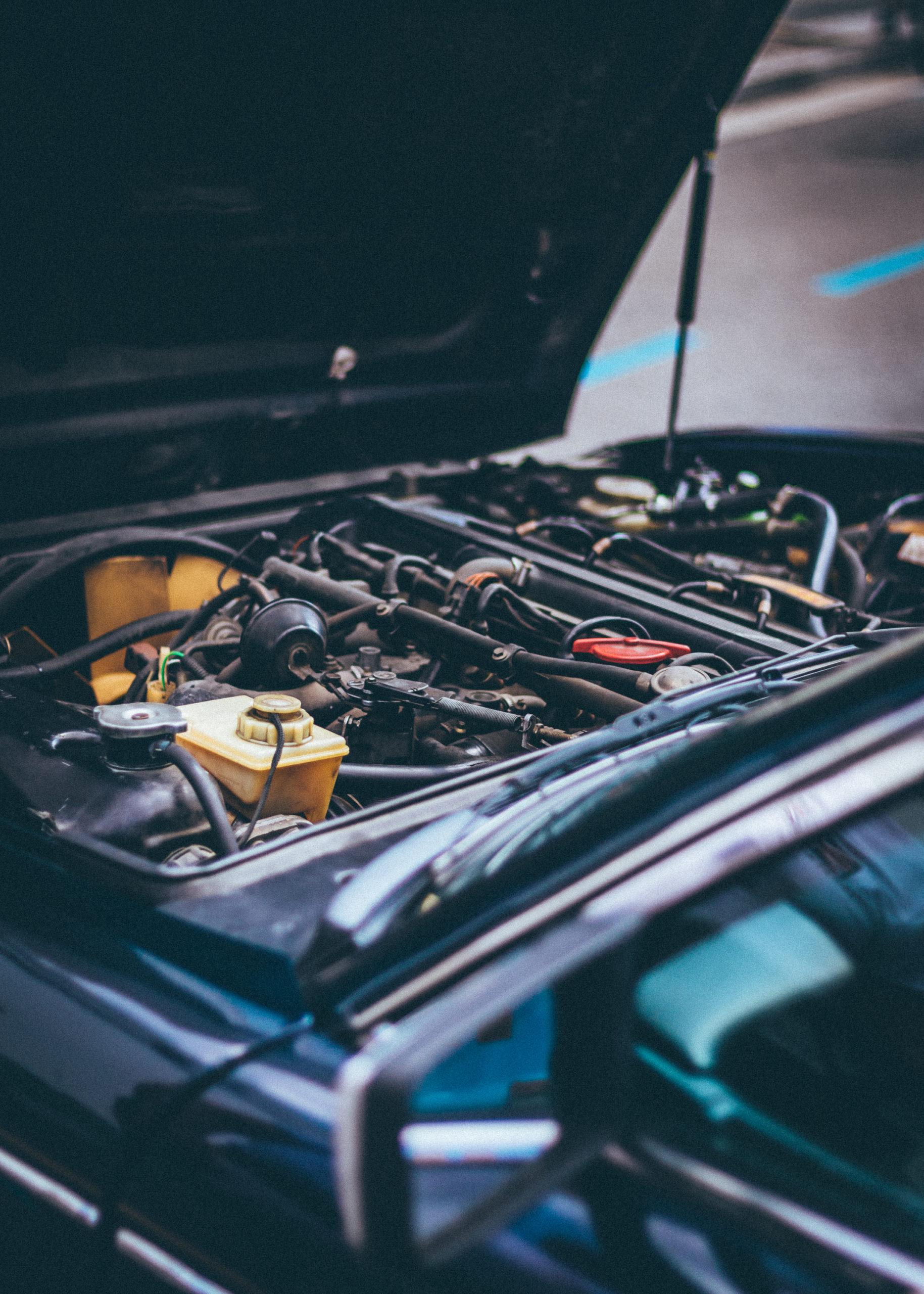close-up-photo-of-vehicle-engine-1409999 (1)